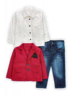 Комплект для мальчика:джинсы,рубашка и пиджак.