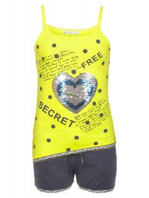Комплект для девочки: топ и шорты, декорирован двусторонними пайетками