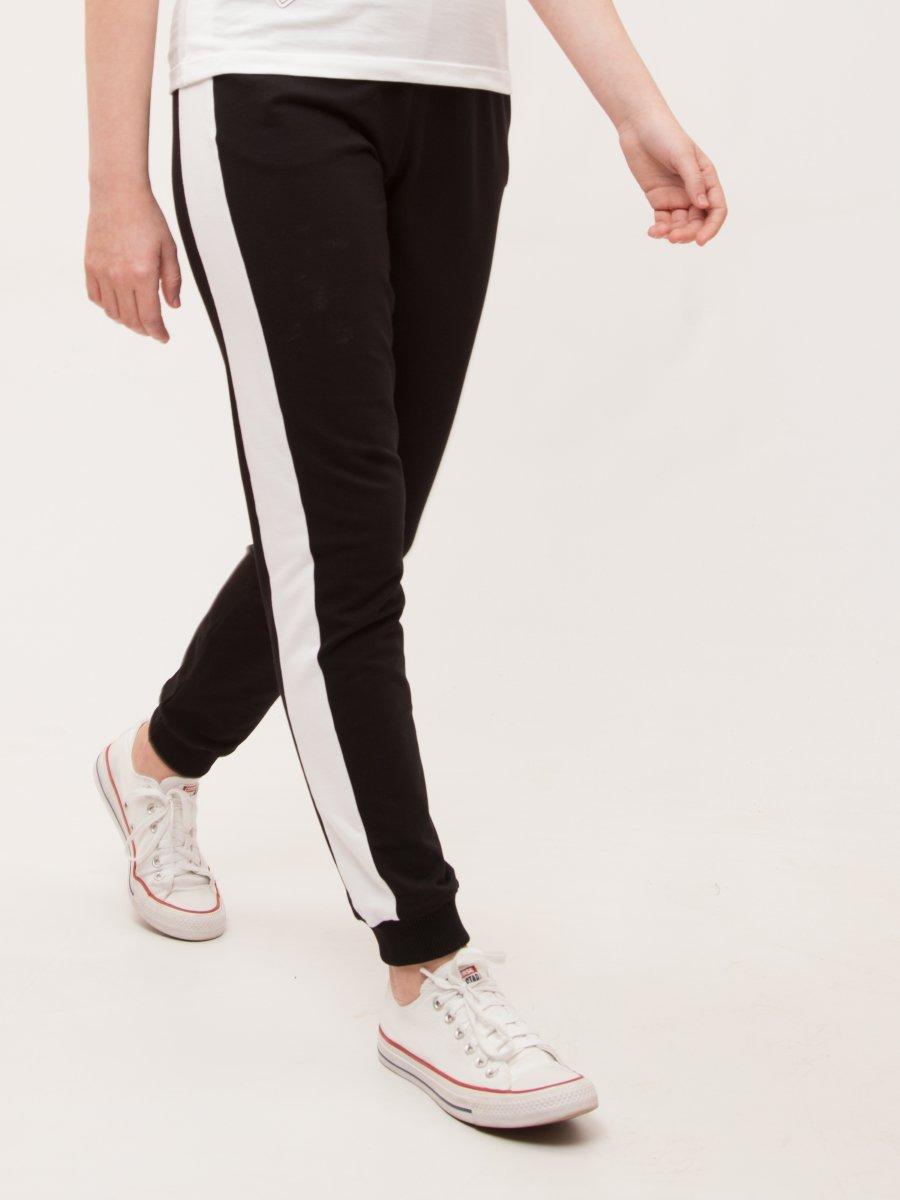 Брюки спортивные зауженные по низу на манжете для девочки, цвет: черный