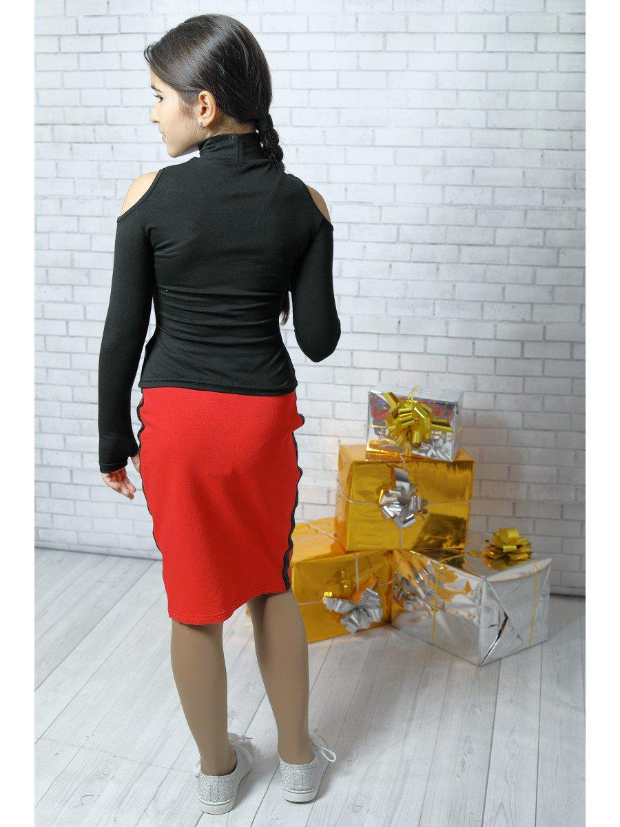Блуза (лонгслив) из вискозы с аппликацией, цвет: черный