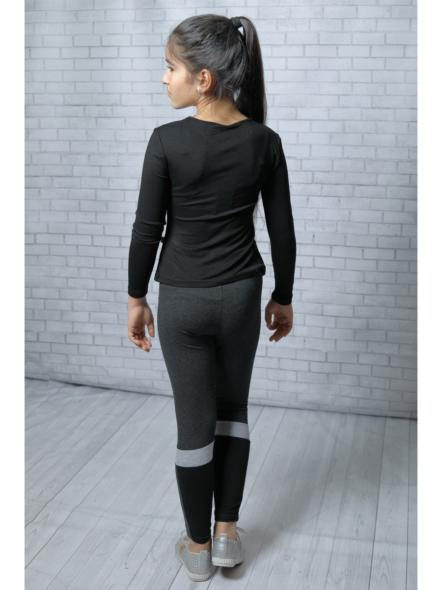 Блуза (Лонгслив) нарядная из вискозы, цвет: черный