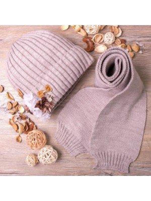 Набор для девочки : шапка вязаная на флисе и шарф