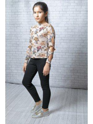 Блуза из вязаного трикотажного полотна