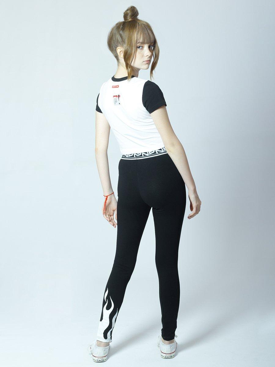 Костюм спортивный:футболка укороченная и леггинсы