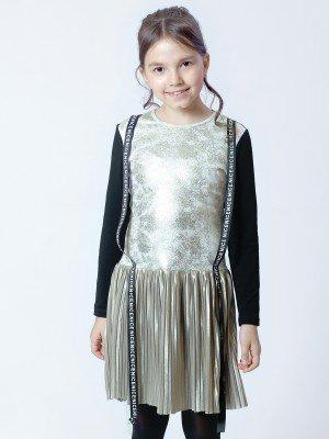 Платье прямого силуэта с заниженной талией
