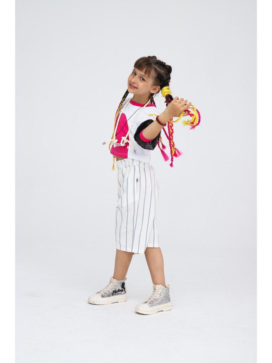 Блузка укороченная свободного силуэта, цвет: белый,фуксия