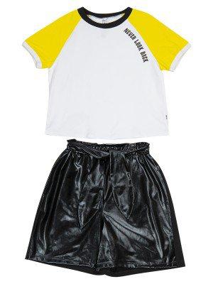 Комплект женский: футболка, шорты