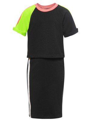 Комплект:футболка укороченная и юбка прилегающего силуэта