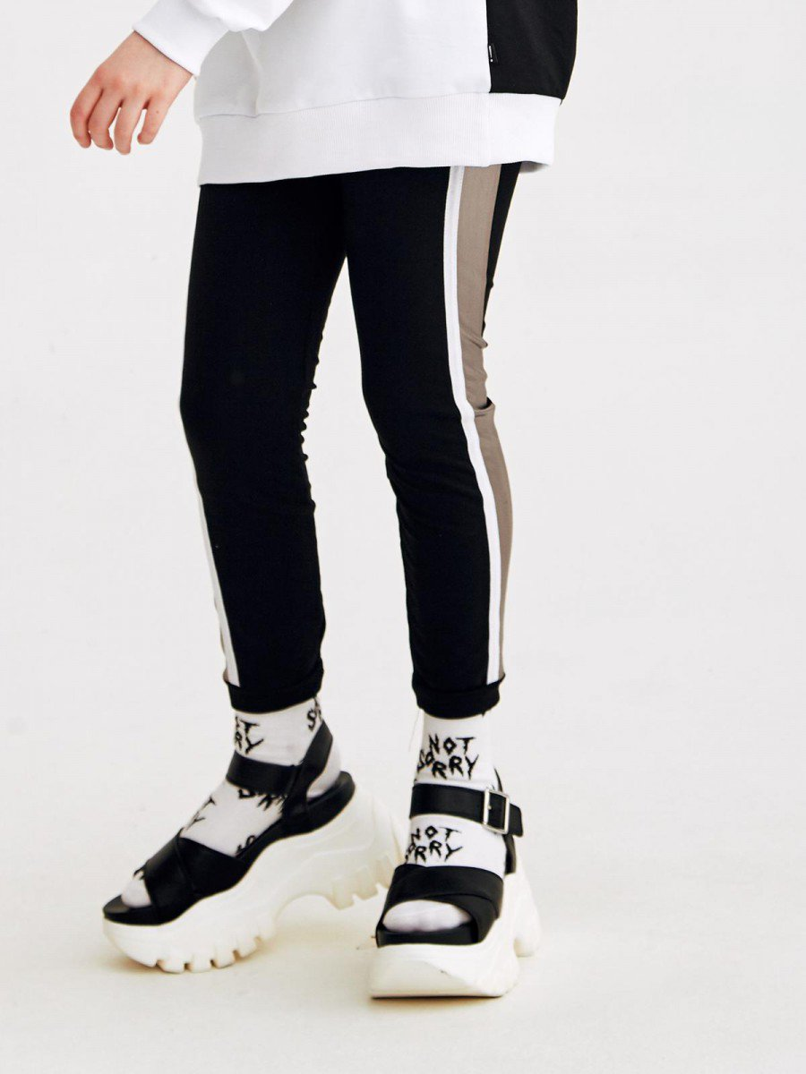 Лосины прилегающего силуэта с лампасами для девочки, цвет: черный