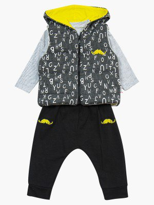 Комплект для мальчика: лонгслив, штанишки и  жилет на синтепоне